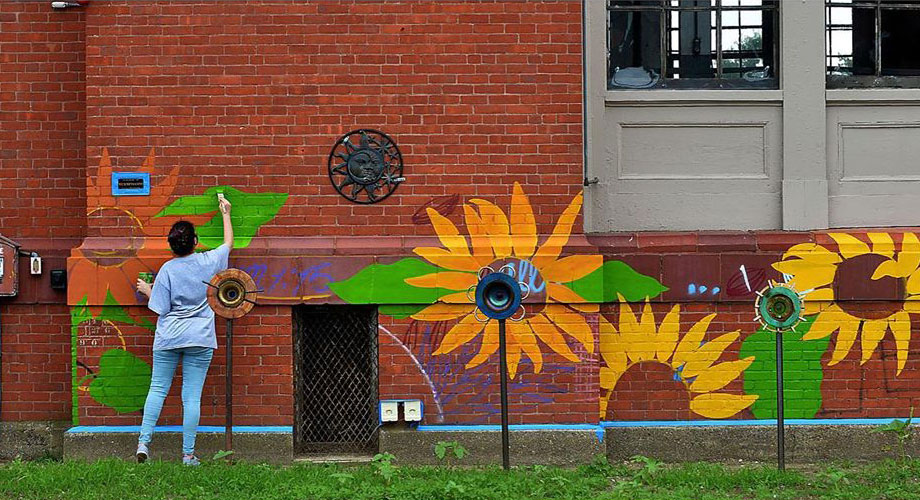 A New Sunflower Mural for SMOC